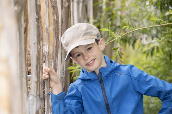Pickapooh Schirmmütze Mika taupe | Kindermützen aus Bio-Baumwolle bei Das bunte Chamäleon online kaufen